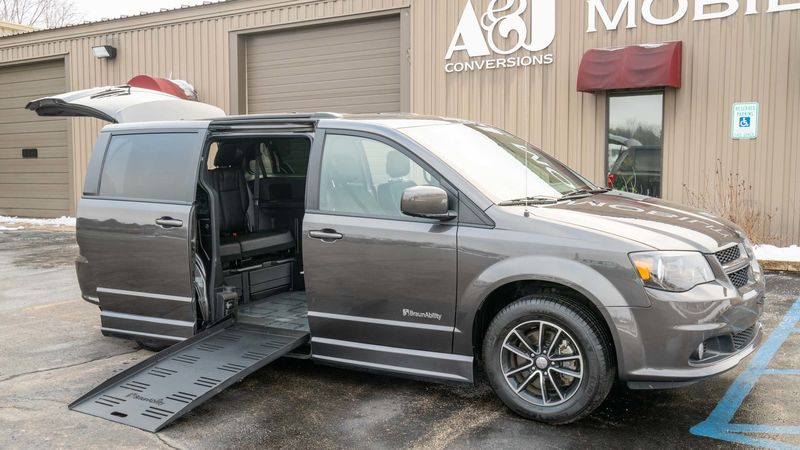 Used 2019 Dodge Grand Caravan.  ConversionBraunAbility Dodge Entervan II
