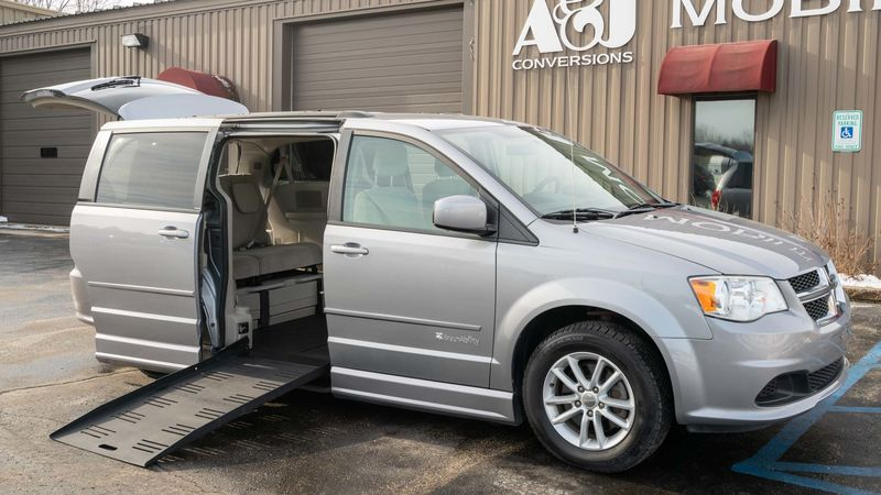 Used 2013 Dodge Grand Caravan.  ConversionBraunAbility Dodge Entervan II