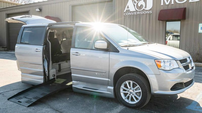 Used 2014 Dodge Grand Caravan.  ConversionBraunAbility Dodge Entervan XT