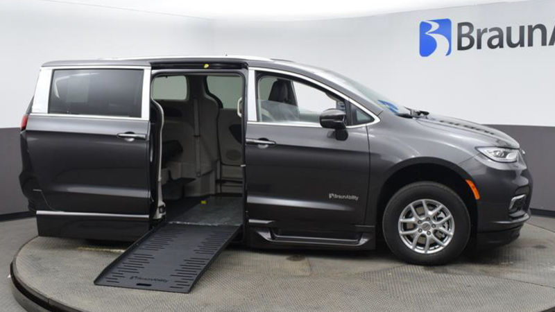 New 2021 Chrysler Pacifica.  ConversionBraunAbility Chrysler Pacifica Foldout XT