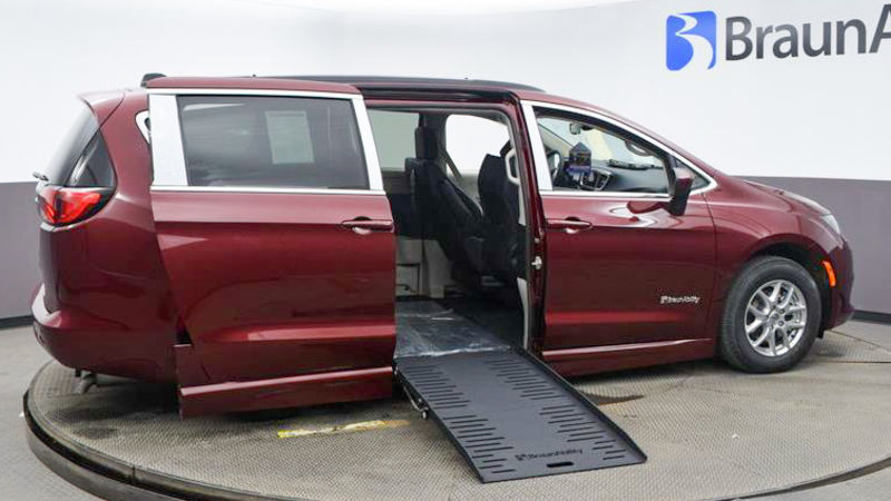 New 2021 Chrysler Voyager.  ConversionBraunAbility Chrysler Pacifica Foldout